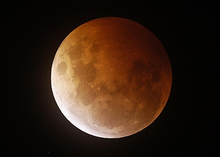 Eclipse total por George Ionas desde Palmerston North, New Zealand